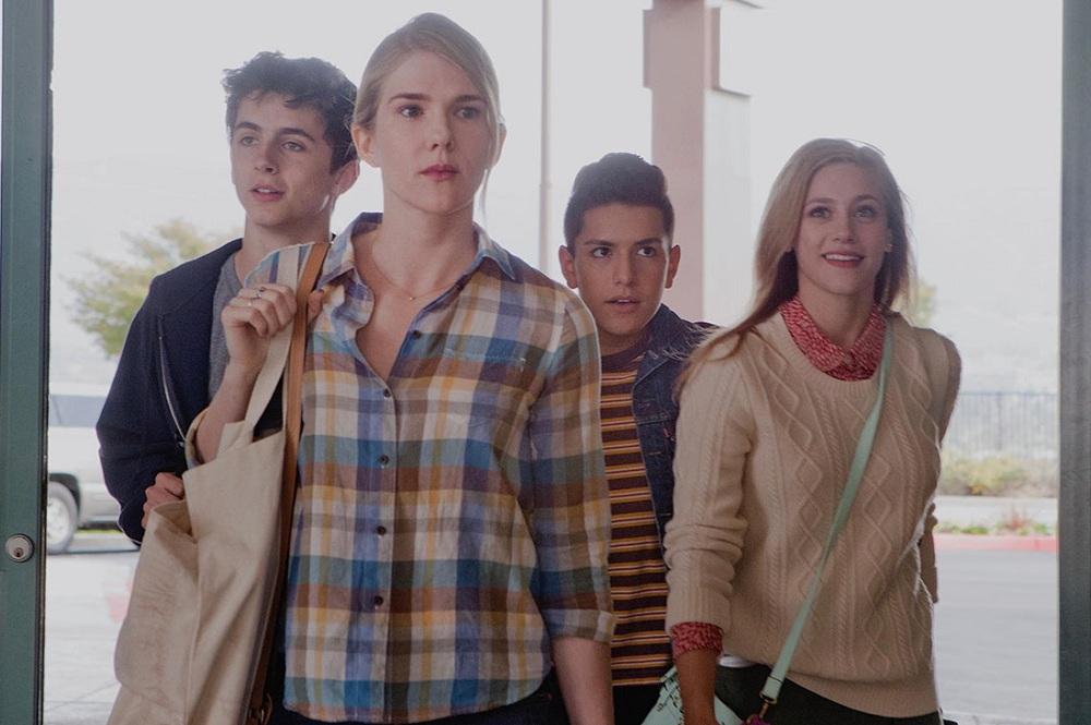 Lily Rabe 'Miss Stevens'ın İlk Fragmanında Çocukluğuna Geri Dönüyor!