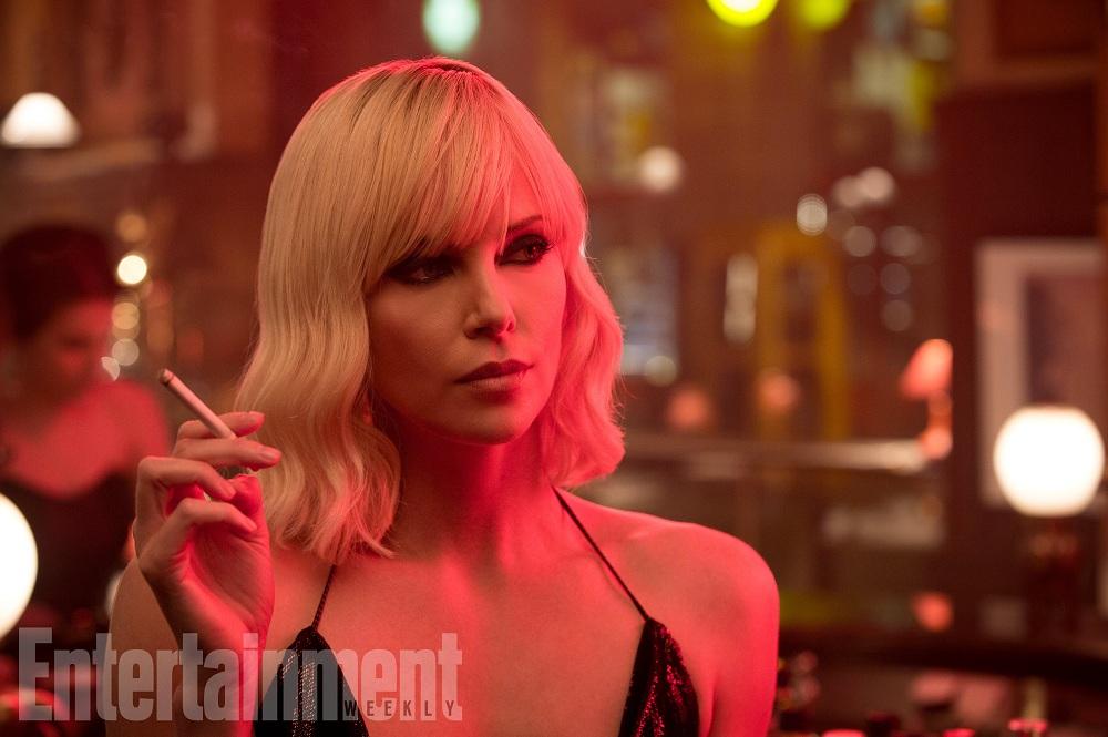 Charlize Theron'un Rol Aldığı 'Atomic Blonde' Filminden İlk Görseller ve Teaser'lar Yayınlandı!