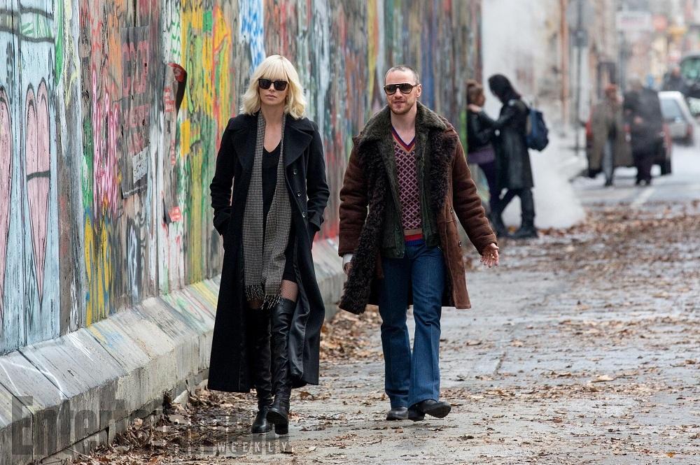 Charlize Throne ve James McAvoy'un Filmi 'Atomic Blonde'un Kırmızı Bantlı İlk Fragmanı Yayınlandı!