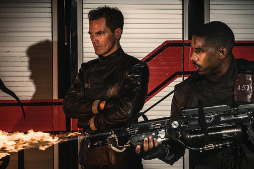 Michael Shannon ve Michael B. Jordan'ın Rol Aldığı 'Fahrenheit 451'den İlk Görsel Yayınlandı!