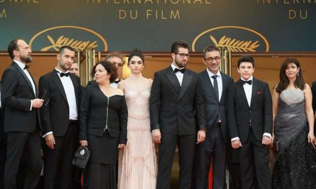 Nuri Bilge Ceylan'ın Ahlat Ağacı Filmi Cannes'da Dakikalarca Ayakta Alkışlandı!