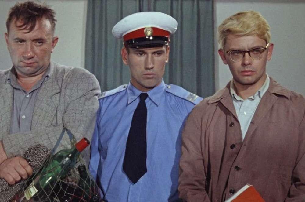 Rus Sineması - Operatsiya 'Y' i drugie priklyucheniya Shurika / Şurik'in Maceraları - Operasyon I (1965)