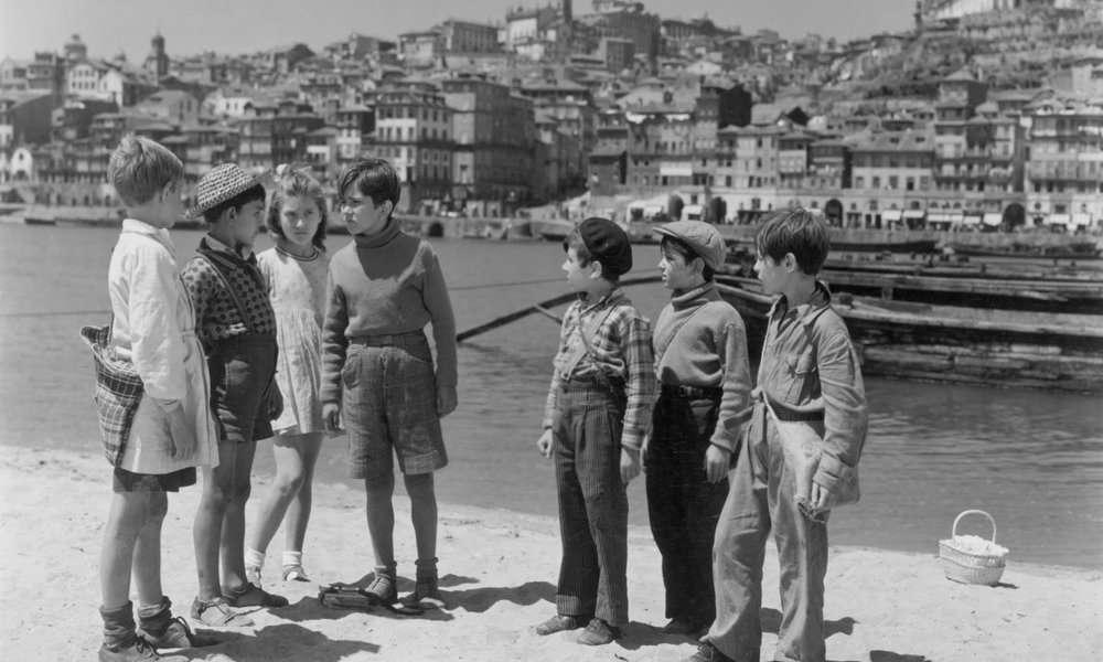 Aniki Bobo (1942)
