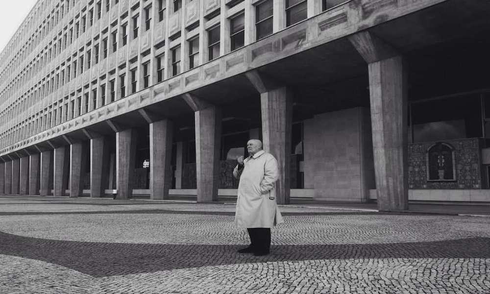 Um Adeus Portugues (1986)