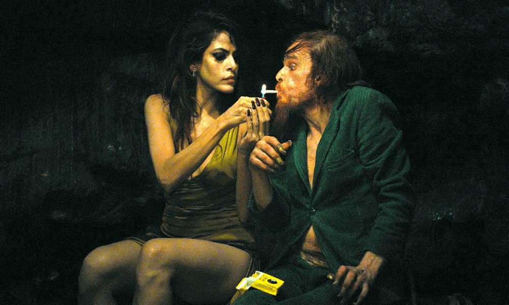 Sürrealist Sinema Holy Motors (2012)