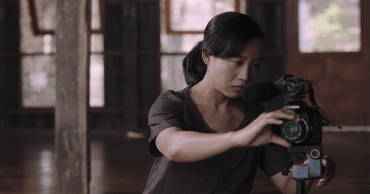 Kadın Yönetmenler - By the Time It Gets Dark / 2016